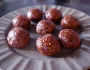 Cocolate coconut balls